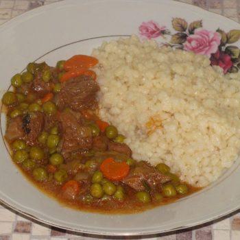 wołowina z groszkiem po macedońsku